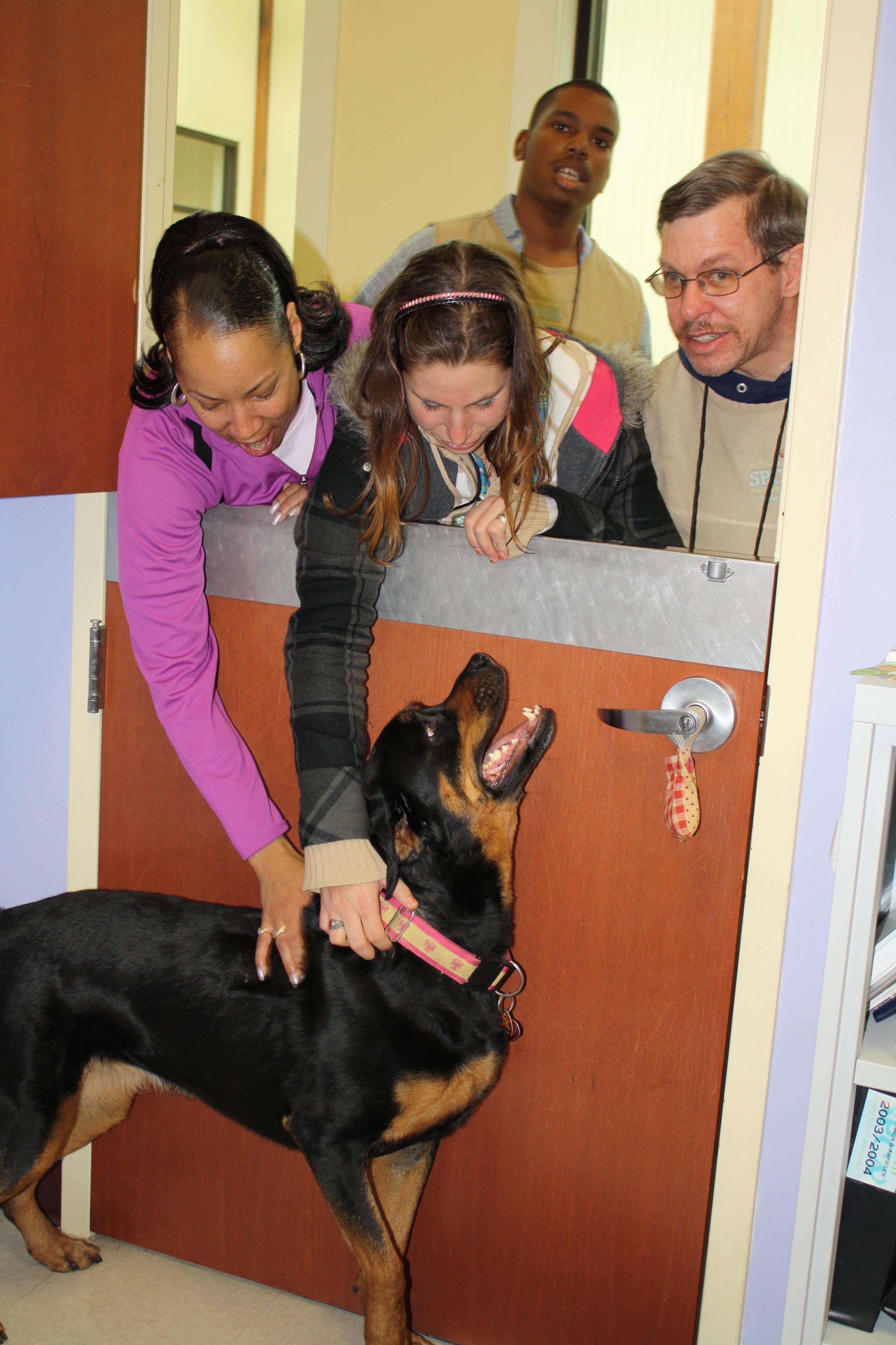 Frieda visiting volunteers