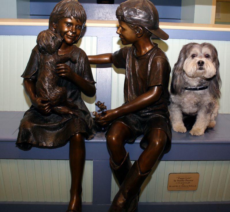 Lottie with Puppy Love sculpture